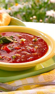 This tangy Patio Gazpacho with oregano, basil and hot sauce can be made hours ahead of time and tastes better the longer it sits (up to two days)! #lunch #cold #soup #recipes