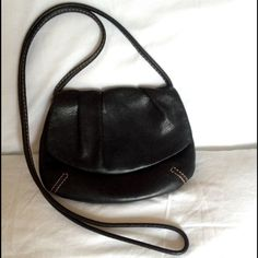 """Fossil Crossbody purseFALL SALL Soft black Leather Fossil Crossbody purse!! Excellent Condition!! Pre loved!!  Measurements 7"""" inches Across & 5""""1/2 inches Down!! Fossil Bags Crossbody Bags"""