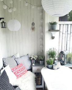 RAINY SATURDAY ... Der große Vorteil an einem regnerischen Samstag - man hat ne gute Ausrede, nicht im Garten arbeiten zu KÖNNEN ... ich wünsche ein schönes Wochenende ☕️ ... #myhome #balcony #balkonien #lieblingsideeonlineshop #ikea #dekoration #interior4all #interiormagasinet #interior123 #dekoliebe #erlangen #germaninteriorbloggers #Wohnkonfetti #kissenliebe #finahem #wwinterior