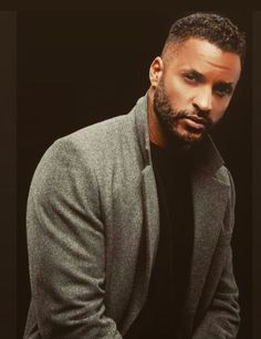 Ricky Whittle, Whittling, Men Sweater, Sweaters, Fashion, Moda, Wood Carving, La Mode, Pullover
