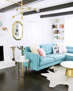 Robin Egg Blue Home Decor. 20 Robin Egg Blue Home Decor. Beautiful and Bright Robin S Egg Blue Living Room Love the Blue Couch Living Room, Blue Couches, Design Living Room, New Living Room, My New Room, Living Room Decor, Teal Couch, Turquoise Couch, Living Room Turquoise