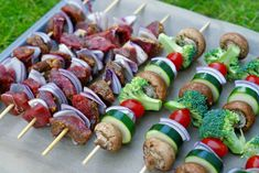 Pasta Salad, Sushi, Sausage, Food And Drink, Meat, Ethnic Recipes, Beef, Sausages, Cold Noodle Salads