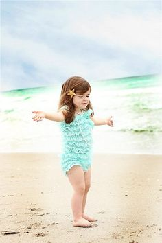 starfish hair accessories for kids Toddler Beach Photography, Little Girl Photography, Children Photography, Newborn Photography, Photography Ideas, Perfect Bride, Flower Girl Hairstyles, Kids Poster, Wedding Hair Pieces