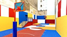 Vibrant Basketball Court In The Center Of Paris Looks Amazing  image