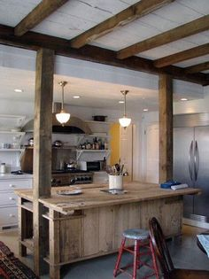 Awesome 38 Rustic Traditional Kitchen Design Ideas To Try This Year Rustic Kitchen Lighting, Rustic Kitchen Island, Rustic Kitchen Design, Vintage Kitchen Decor, Interior Design Kitchen, Wooden Island, Narrow Kitchen, Diy Interior, Kitchen Islands