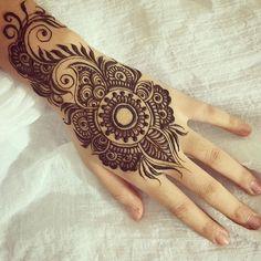 #tattoos #tattoo #莎拉繪花花 #印度彩繪 #hennatattoo #henna #heena #mehendi #menhdi #taipei #taiwan