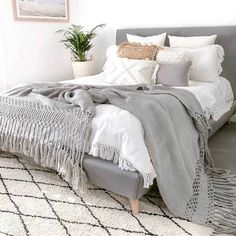 Light Gray Bedroom, Grey Bedroom Decor, Bedding Master Bedroom, Room Ideas Bedroom, Cozy Bedroom, Grey Bed Room Ideas, White Bedding Decor, Cozy Master Bedroom Ideas, Rooms To Go Bedroom