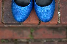 how to make your own glitter shoes!