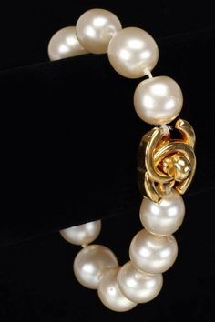 CHANEL Pearl Bracelet! #Coco #CHANEL