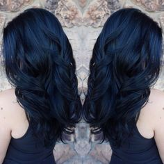 Something about my client & this blue black formula = pure amazing ! Midnight Blue Hair, Dark Blue Hair, Hair Color For Black Hair, Cool Hair Color, Blue Tinted Hair, Blue Tips Hair, Hair Color 2018, Hair Colors, Pelo Color Azul