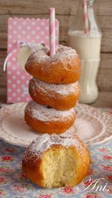 Ani's Kitchen: Pastry (home made donuts) Donut Recipes, Mexican Food Recipes, Sweet Recipes, Dessert Recipes, Cooking Recipes, Desserts, Pan Dulce, Spanish Dishes, Beignets