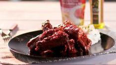 Costillas de cerdo en salsa de vino tinto y tomate Beef, Food, Crusted Salmon, Red Wine Sauces, Crusts, Pork Ribs, Meat, Meals, Ox
