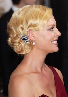 Vintage Hairstyles Updo Best Retro Hairstyles – Our Top 10 - Retro style is the latest craze among everyone today. The same stands for your hairstyles too! Here are the 10 best retro hairstyles that you can try at home! Retro Updo Hairstyles, Wedding Hairstyles, Classy Hairstyles, Wedding Hair And Makeup, Hair Makeup, Bridal Hair, Pelo Retro, Greek Hair, Pelo Vintage