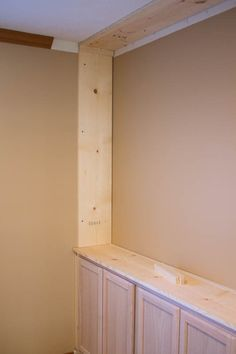 How to Build Your Own Custom Built-ins How to make your own custom built-ins with cheap cabinets - I Cheap Cabinets, Built In Cabinets, Built In Tv Cabinet, Stock Cabinets, Upper Cabinets, Diy Cabinets, Cupboards, Bookshelves Built In, Built In Desk