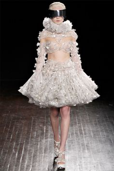 Alexander McQueen - Collections Fall Winter 2012-13 - Shows - Vogue.it