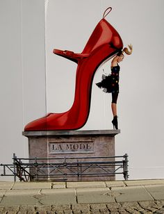 French advertising: Galeries Lafayette ad