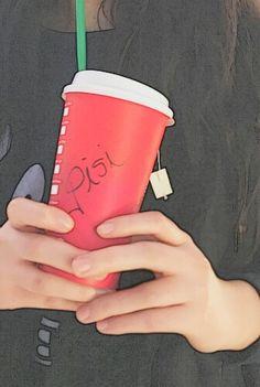 Kitty from Starbucks. Vanilla tea day. ☕