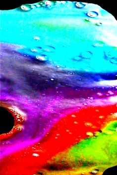 Rainbow Eruptions Have kids slowly pour vinegar into the colorful containers of baking soda. Then, step back and watch Kid Science, Science Experiments For Preschoolers, Science Lessons, Projects For Kids, Crafts For Kids, School Age Crafts, Volcano Experiment, Holidays With Kids, Fall Crafts