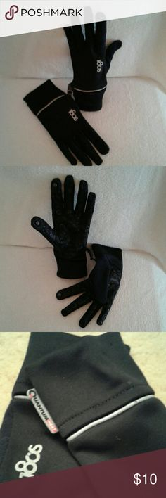 Black tech touch gloves sz M These are quantum heat, soft knit, palm gripper, tech touch gloves in EUC. The thumb and index fingers on each glove have a metal button to make texting possible in the coldest weather. The palms have 180's and circles in a non-slip material to maintain a solid grip on your devices. 180's Accessories Gloves & Mittens