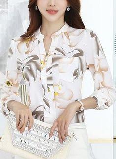 Women Floral Print T-Shirt Chiffon Long Sleeve Shirt Blouse Top For Office Lady Blouse Styles, Blouse Designs, Casual Skirt Outfits, Chiffon Shirt, Floral Blouse, Printed Blouse, Ladies Dress Design, Trendy Fashion, Fashion Women