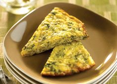 Looking for a light and simple breakfast to enjoy with the family during the holidays? This frittata will do the trick. Serve it with some greens, whole wheat toast and some fruit on the side if your meal plan allows for it.