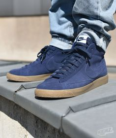 Nike Blazer Mid Premium (binary blue) is one of the most classic sneaker silhouettes ever. @ kickz.com