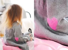Wear your heart on your sleeve elbow patch by Pastill.nu: Made with felted yarn. #Crafts #Heart_Patch