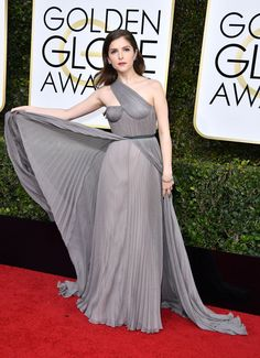 ed73943a666 Golden Globes 2017: The Best Red Carpet Style - Anna Kendrick Stunned In a  Grey