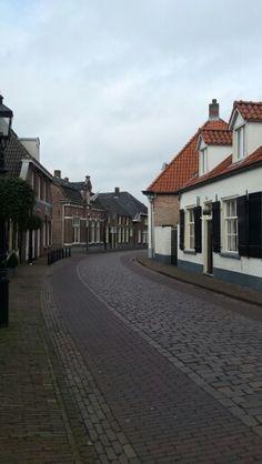 Nieuwstraat. Een van de vele mooie oude straatjes van monumentaal Oirschot.