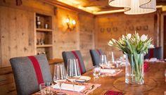 Schmuckes Erinnerungsstück. Die #Reiterstube erinnert an die Ursprünge des #GolfResortAchental als #Reiterhof und ist mit einigen Andenken an diese Zeit geschmückt. Sie bietet einen direkten Zugang zur #Sonnenterrasse und reichlich Wohlfühl-Atmosphäre für #Tagungen und #Feiern für 12 bis 14 Personen. #Golf #Resort #Achental #Chiemsee   #Restaurants #Bars #Location #chiemgau #hotel #hotels #grassau #restaurant