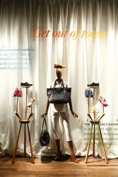 WindowsWear is the exclusive digital destination to discover the world's fashion windows in real-time