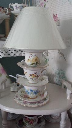 Table Lamps - Pretty Vintage House #vrev