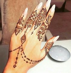 Find the latest and most beautiful Henna designs / Mehndi Designs for Hands If you have occasions like. Pretty Henna Designs, Finger Henna Designs, Henna Designs Easy, Mehndi Designs For Fingers, Arabic Mehndi Designs, Henna Tattoo Designs, Latest Mehndi Designs, Wedding Henna Designs, Indian Henna Designs