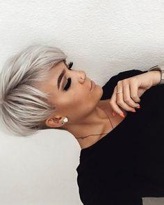 Short Blonde Haircuts, Short Hair Undercut, Short Hairstyles For Thick Hair, Short Hair Cuts For Women, Gorgeous Hairstyles, Celebrity Short Hairstyles, Mom Hairstyles, Hairstyle Short, Black Hairstyles