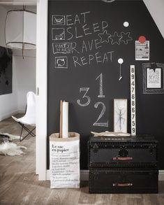 Cool black walls for teenage rooms (Vosgesparis) – zimmer für große kinder Black Rooms, Black Walls, Party Hard, Diy Zimmer, Teenage Room, Kids Room Design, Teen Girl Bedrooms, My New Room, Boy Room