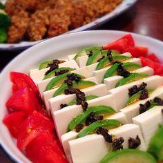 COOKPADの人気レシピです。  絶妙な取り合わせ、ドレッシングも美味です!オススメ - 152件のもぐもぐ - アボカドと豆腐のサラダ❤︎わさびソース by happyhana