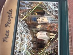 Free People never ceases to wow us with their cute and stylish window displays!
