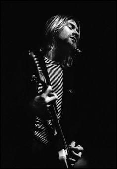 Some say im obsessed but KURT COBAIN your my hero You always get me through tough times u help me with shit and if there was a god then right now im talking about one! Nirvana Kurt Cobain, Scott Weiland, Kurk Cobain, Rock Bands, Beatles, Rock And Roll, Grunge, Donald Cobain, We Will Rock You