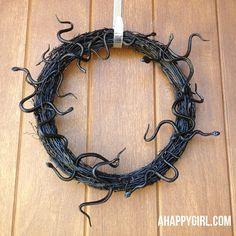 halloween snake wreath