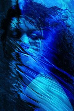 Blue - People di Catherine McIntyre