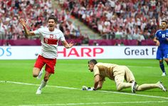 Robert Lewandowski Photo - Poland v Greece - Group A: UEFA EURO 2012