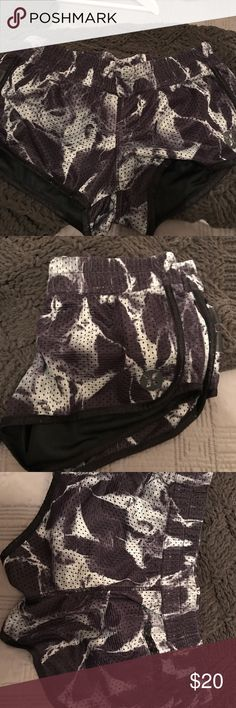 Sale💥Just In 🥁Hurley Board Shorts EUC Genuine Hurley Board shorts dry fast poly -pretty camo multie colt grey white & black, arieated openings throughout the double lining perfect for surfing biking or running Hurley Shorts