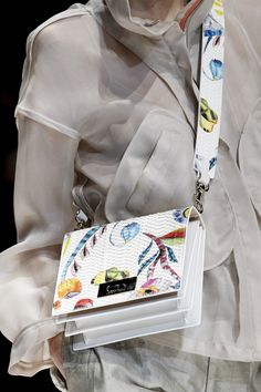 Giorgio Armani Spring 2018 Ready-to-Wear Accessories Photos - Vogue