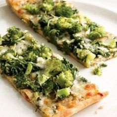 Green Pizza: Broccoli arugula pesto | The vitamins, minerals, flavonoids, and carotenoids contained in broccoli work to lower risk of oxidative stress that can cause macular degeneration in the eyes (make gf, add tomato and nutritional yeast!)
