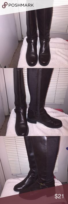 Easy  spirt sw jerrellzu riding boots brown size9 Easy spirt woman wide calf knee high riding boots brown  size 9 leather upper with  round toe with buckle  good condition no marks Easy Spirit Shoes Over the Knee Boots