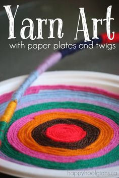 Yarn Art - a paper plate craft for kids of all ages. So relaxing and therapeutic. The wool-wrapped sticks make a great craft for toddlers and preschoolers, while teens and tweens will enjoy making designs on paper plates with their yarn.  - Happy Hooligans