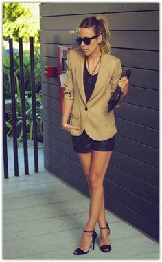 #black #leather #handbag #psstonline #fashionmagazine #fashionblogger #fashion