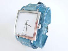 Dámské+hodinky+tyrkysová+kůže+Pásek+na+hodinky+z+přírodní+kůže+(+zákazková+výroba+)+Barva:+tyrkysová+Šířka:+42+mm+Hodinky+quaartz+Hodinky+vyrobím+podľa+požiadavky+tak+aby+sedeli+na+vašu+ruku.+Pred+kúpou+mi+napíšte+správu+a+všetko+upresníme