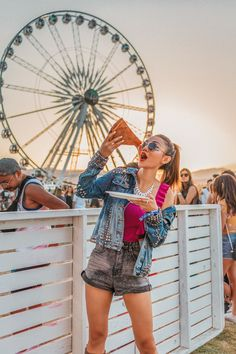 Here's an all encompassing Coachella Packing List so first time attendees and Coachella experts don't leave anything behind! Deep Cleaning Face Mask, Music Festival Fashion, Festival Style, Festival Wear, Studded Denim Jacket, Dslr Photography, Fashion Photography, Boho Fashion, Fashion Dresses