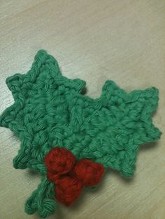 Holly Leaves Pattern uses UK crochet terms.